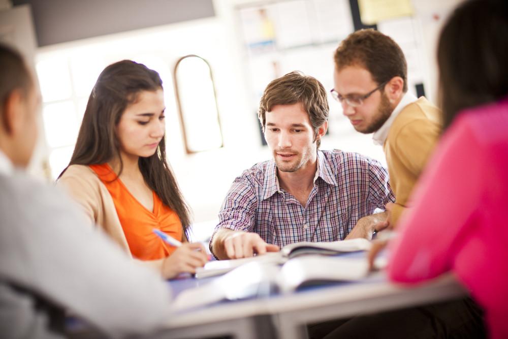 التدريب والتطوير في الموارد البشرية والتطبيق العملي للشغل